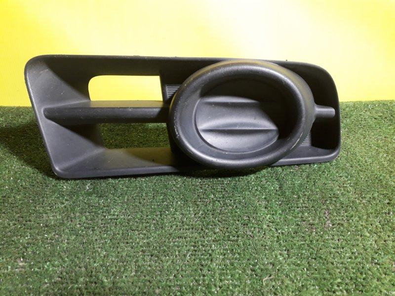 Заглушка бампера Nissan Wingroad BVAY12 передняя правая (б/у)