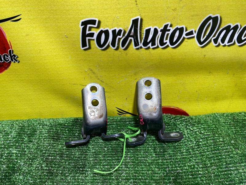 Петли на дверь Toyota Mark 2 GX90 1G-FE передние правые (б/у)