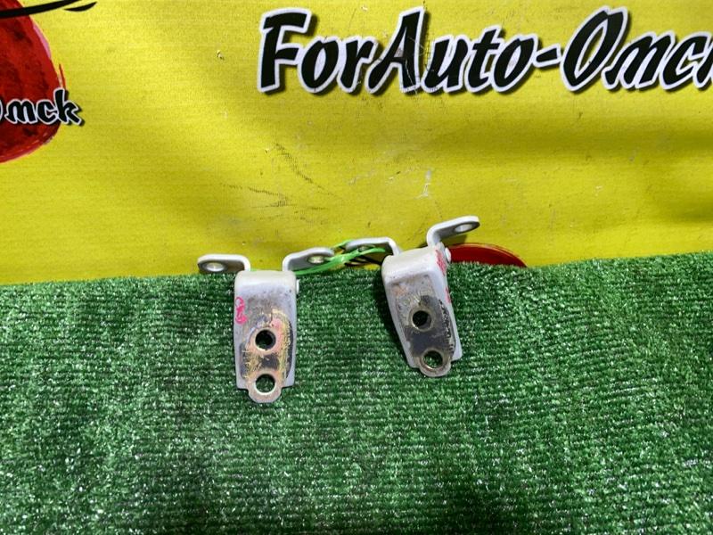 Петли на дверь Honda Civic Ferio ES1 D15B передние правые (б/у)