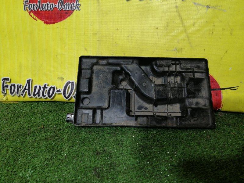 Площадка под аккумулятор Toyota Sienta NCP81 (б/у)