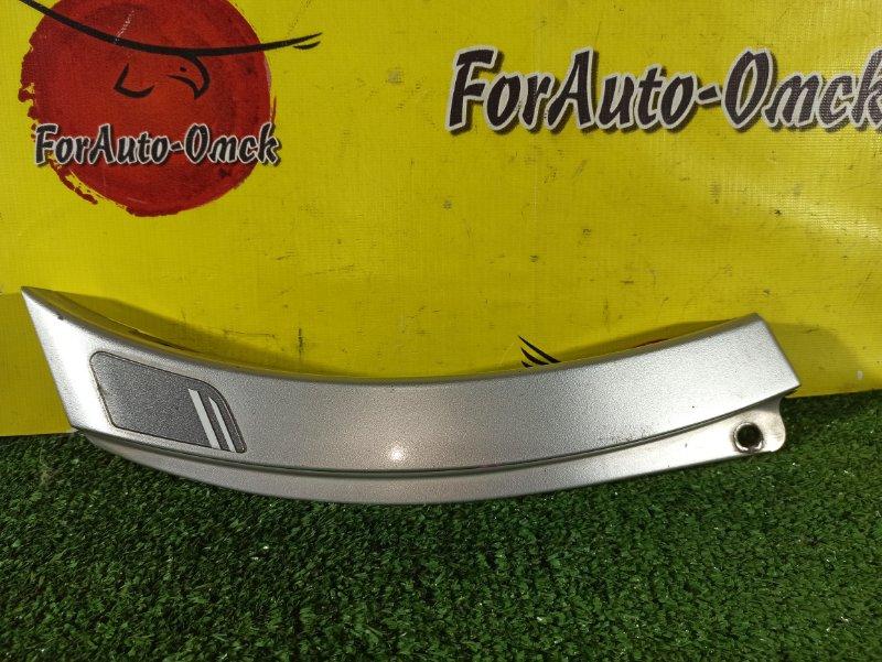 Накладка на крыло Toyota Ipsum SXM10G 3S-FE задняя левая (б/у)