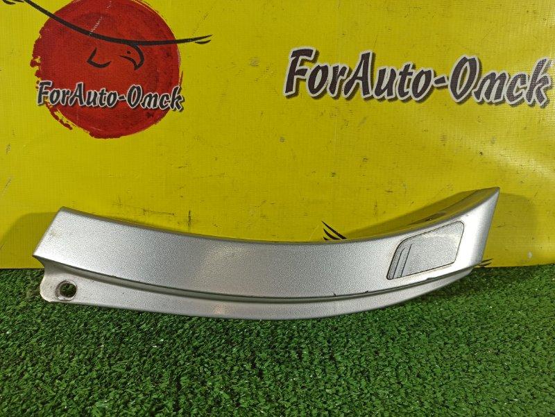 Накладка на крыло Toyota Ipsum SXM10G 3S-FE задняя правая (б/у)