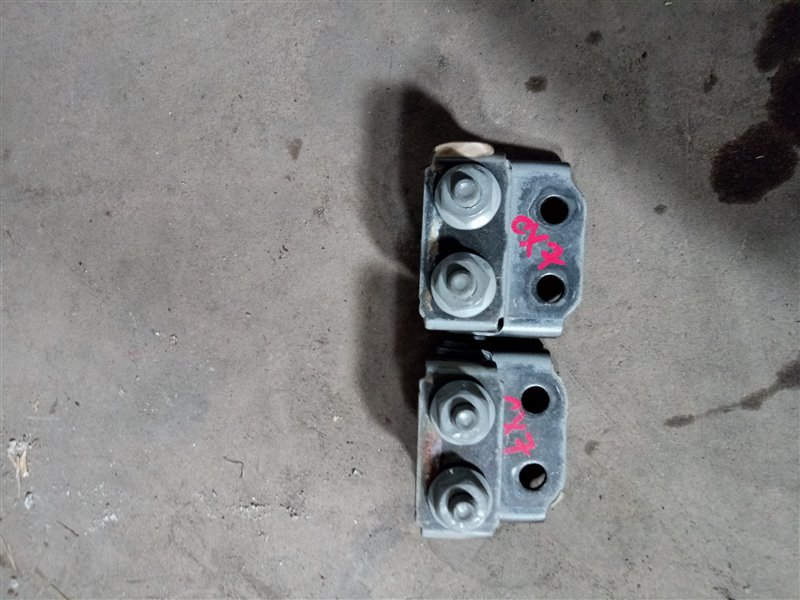Петля двери багажника Mazda Cx-7 ER L3-VDT 2008 (б/у)