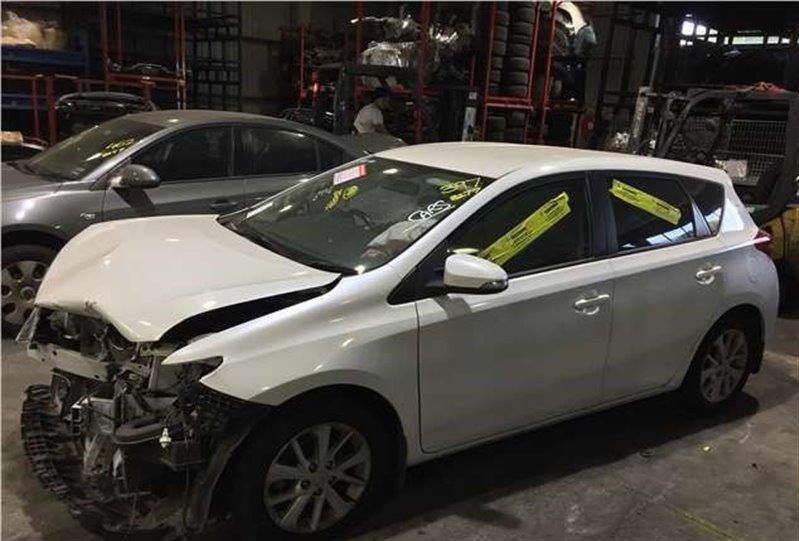 Авто на разбор Toyota Auris ZRE185 2015 (б/у)