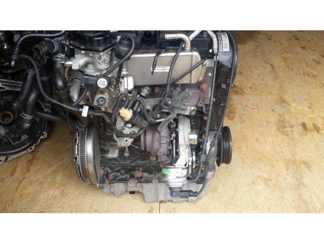 Двигатель Volkswagen Transporter 7HA CCHA 2015 задний (б/у)