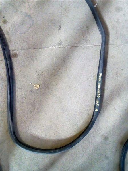 Уплотнительная резинка Ford Mondeo CJBA 2005 (б/у)