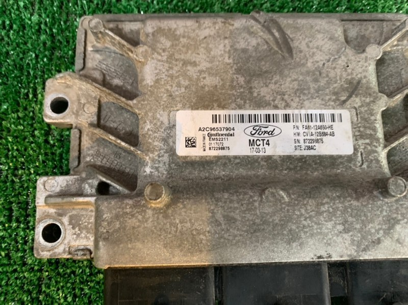 Блок управления двигателя Ford Fiesta MK6 HXJE 2017 (б/у)