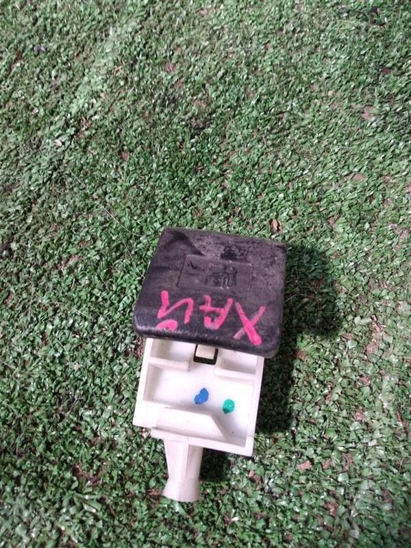Ручка открывания бензобака Toyota Hilux Pick Up KUN25L 2KD-FTV 2012 (б/у)