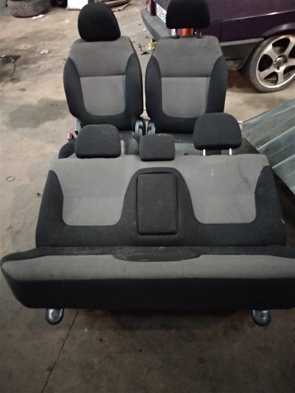 Сиденья Mitsubishi L200 KB4T 4D56 2012 (б/у)