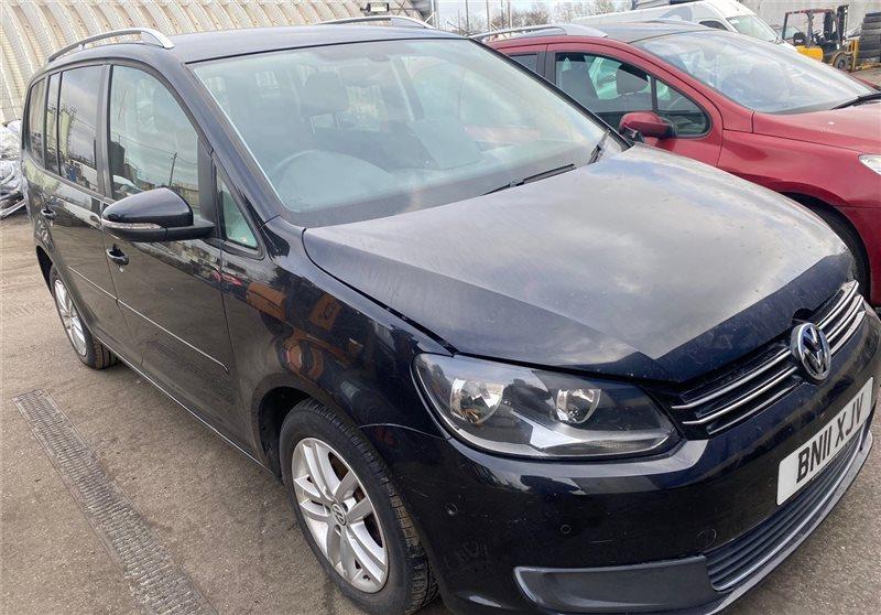 Авто на разбор Volkswagen Touran 2013 (б/у)