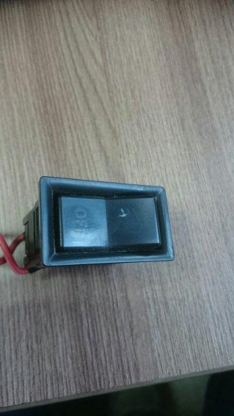 Кнопка включения туманок Toyota Hiace KZH 100 1KZ (б/у)