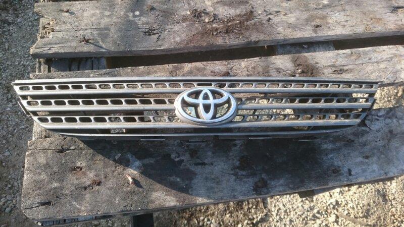 Решетка радиатора Toyota Spasio 111 (б/у)