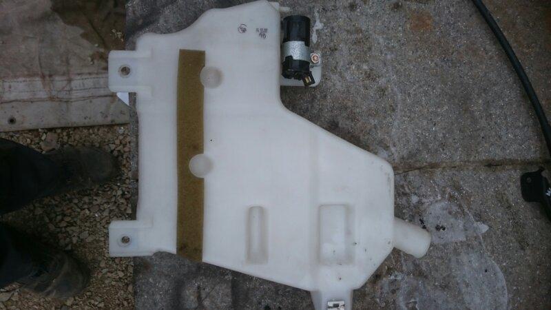 Бачок омывателя Toyota Hiace KZH 100 1KZ (б/у)