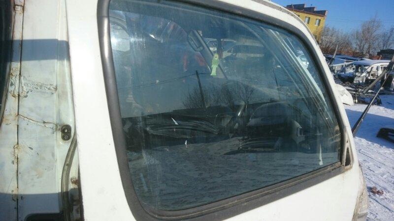 Стекло Toyota Hiace LH186 переднее правое (б/у)