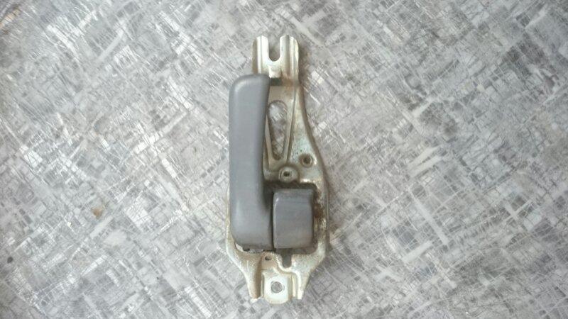 Ручка двери внутренняя Toyota Hiace KZH106 1KZ 1998 передняя левая (б/у)