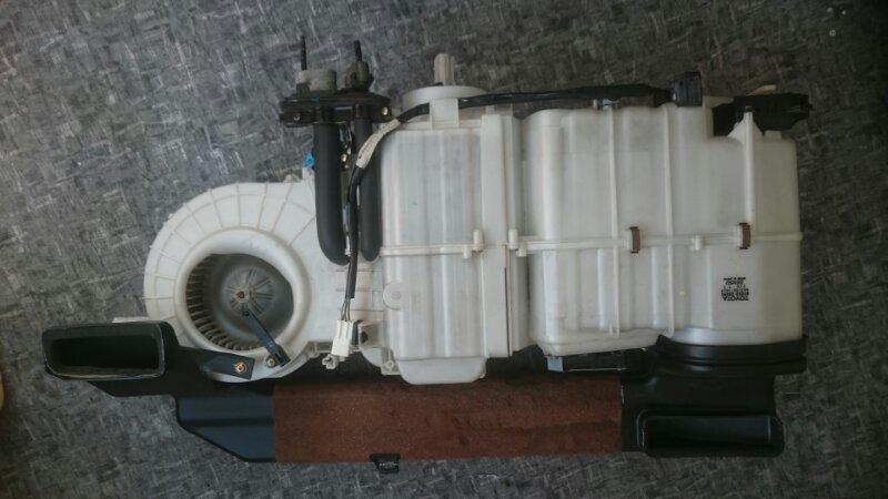 Мотор печки Toyota Town Ace Noah SR50 3S-FE 1998 задний (б/у)