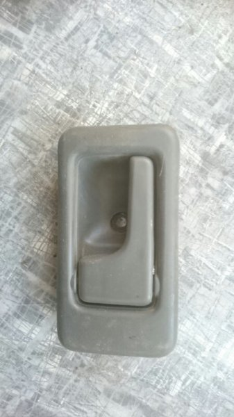 Ручка двери внутренняя Isuzu Bighorn UBS69 4GJ2 передняя левая (б/у)