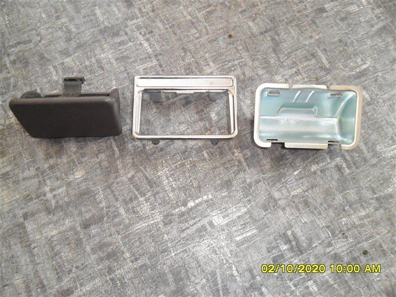 Пепельница Toyota Hiace KZH 116 1KZ задняя (б/у)