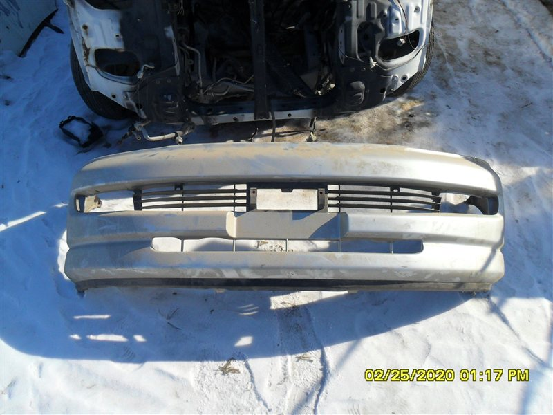 Бампер Toyota Hiace Regius KCH46 1KZ 1998 передний (б/у)