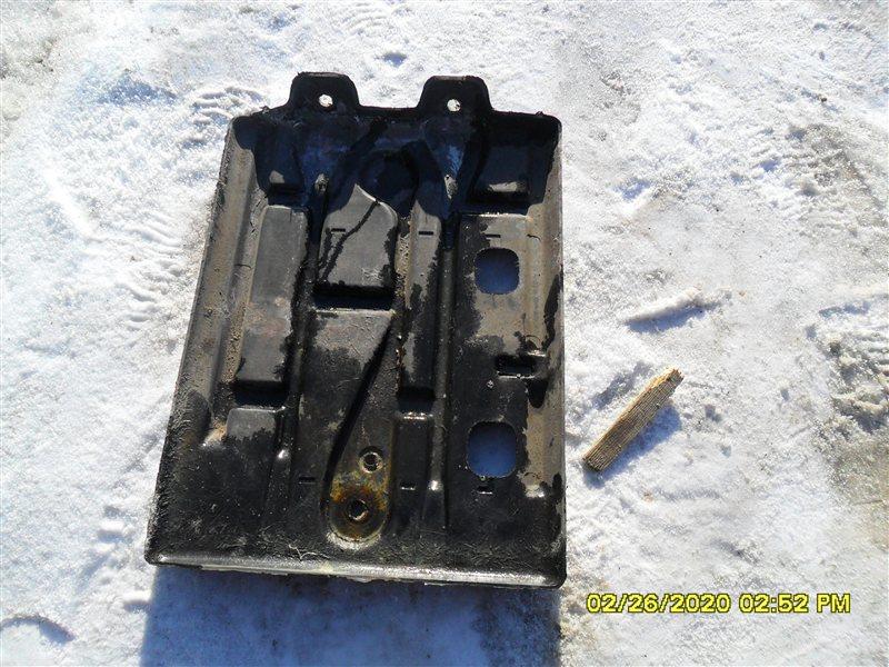 Подставка под аккумулятор Toyota Hiace KZH 116 1KZ (б/у)