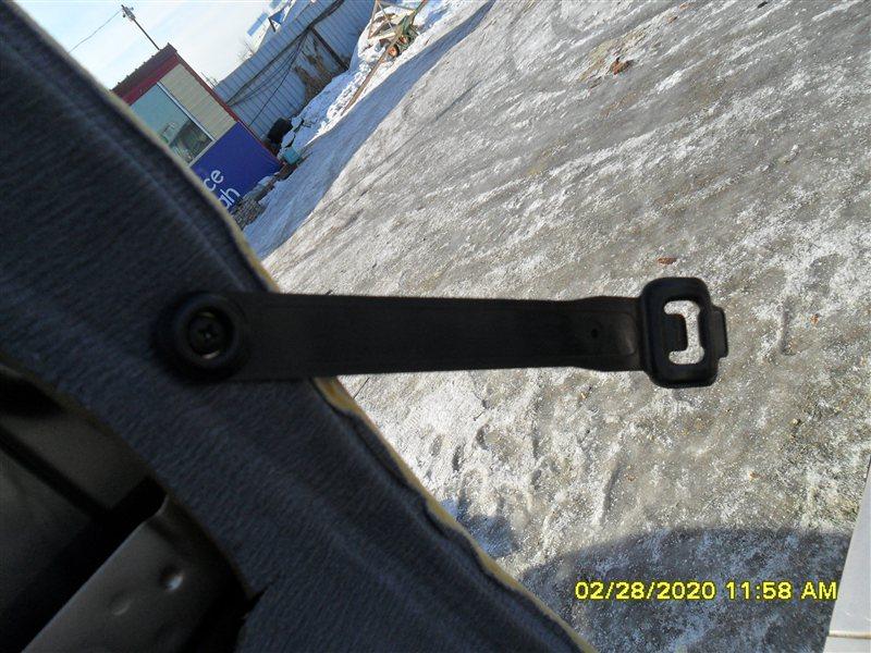 Держатель сидения Toyota Hiace KZH 116 1KZ (б/у)