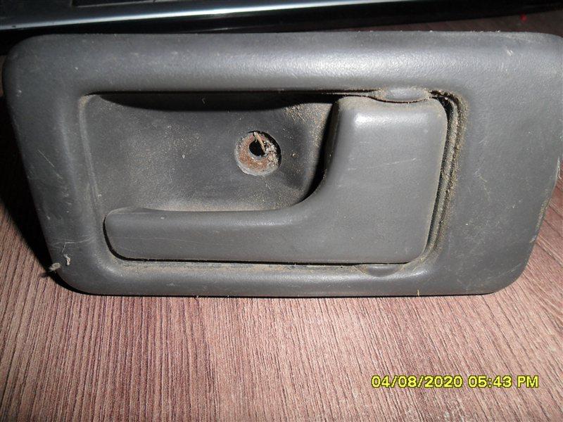 Ручка двери внутренняя Isuzu Bighorn UBS69 4GJ2 передняя правая (б/у)
