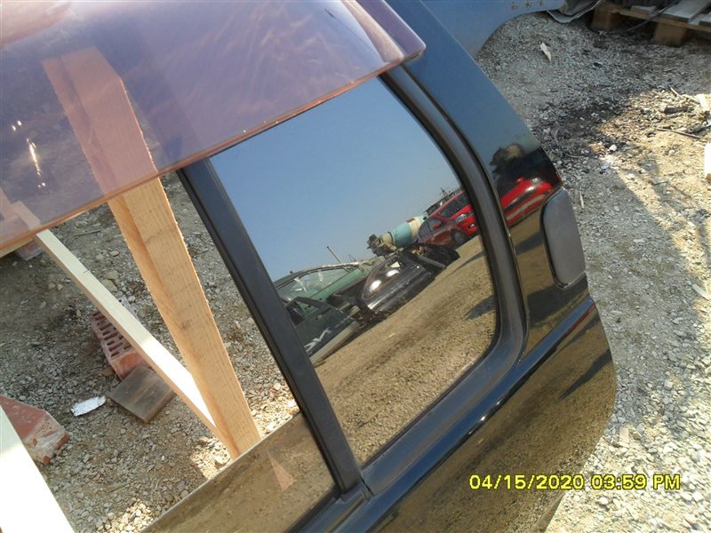 Форточка двери Nissan Terrano PR50 TD27T 1995 задняя левая (б/у)