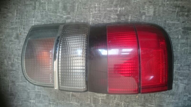 Стоп Toyota Hiace задний правый (б/у)