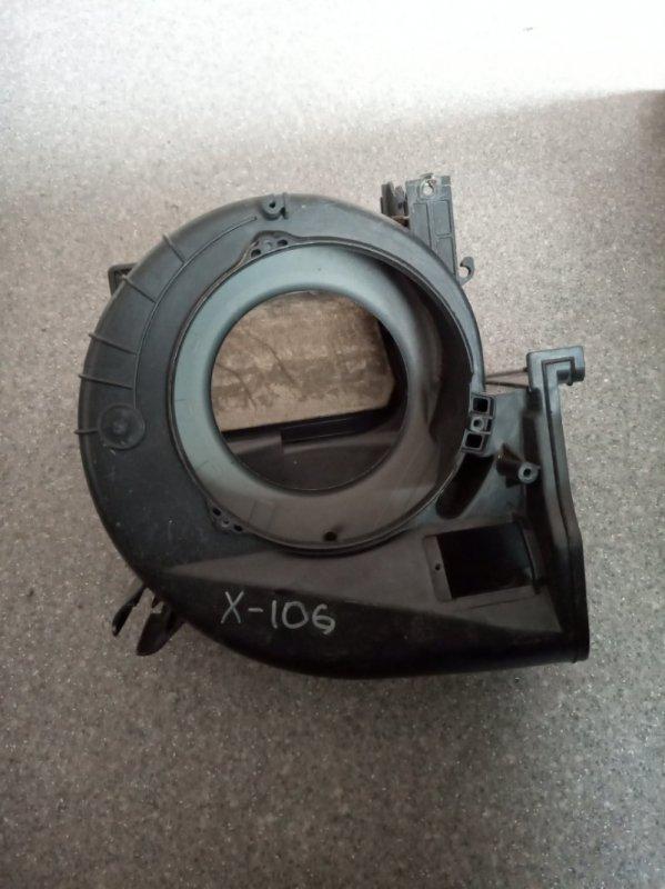 Корпус моторчика печки Toyota Hiace KZH 100 (б/у)