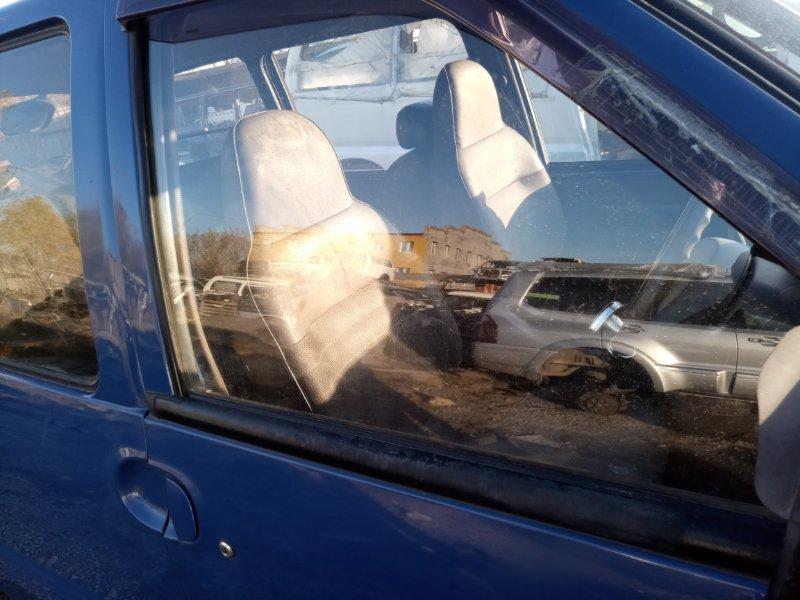 Стекло Nissan Serena VVJC23 CD20 переднее правое (б/у)
