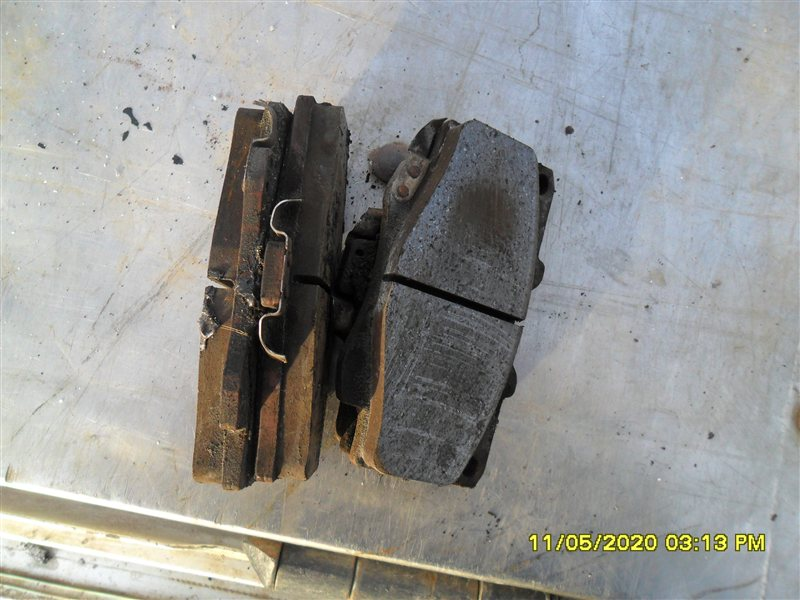 Тормозные колодки Toyota Hilux Surf KZN185W 1KZ-TE 1997 (б/у)