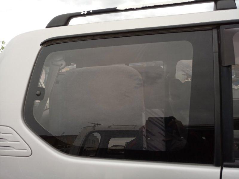 Стекло собачника Toyota Land Cruiser Prado KZJ95 1KZ-TE 1996 заднее правое (б/у)