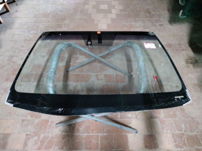 Стекло лобовое Lexus Is250 2013