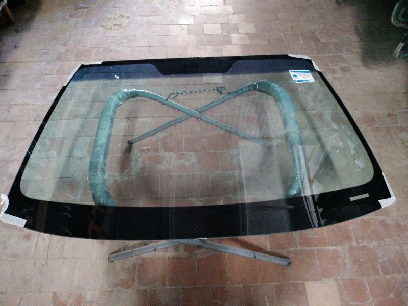 Стекло лобовое Subaru Legaсy 2003