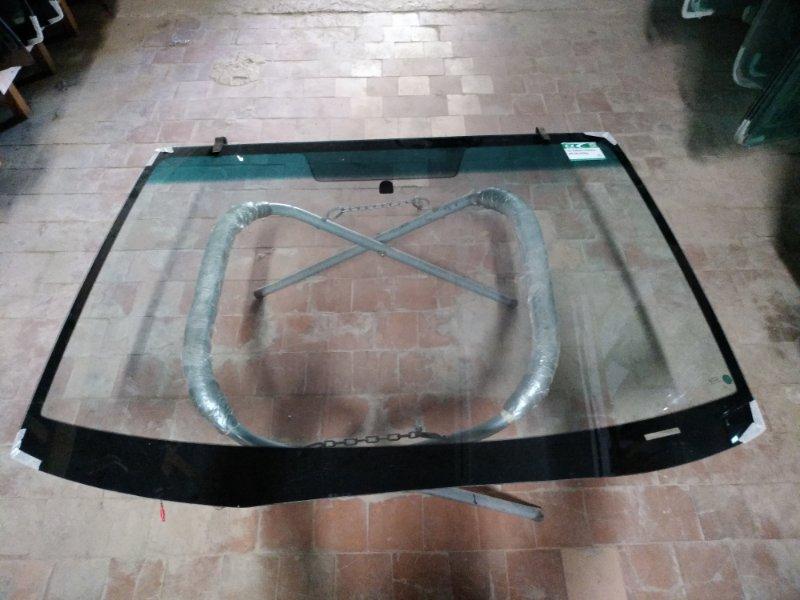 Стекло лобовое Subaru Tribeca 2006