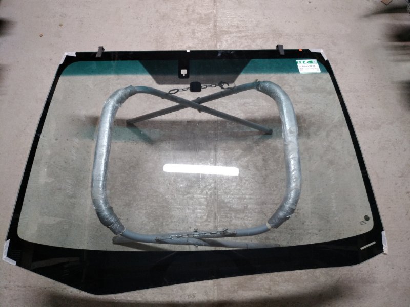 Стекло лобовое Subaru Xv 2012