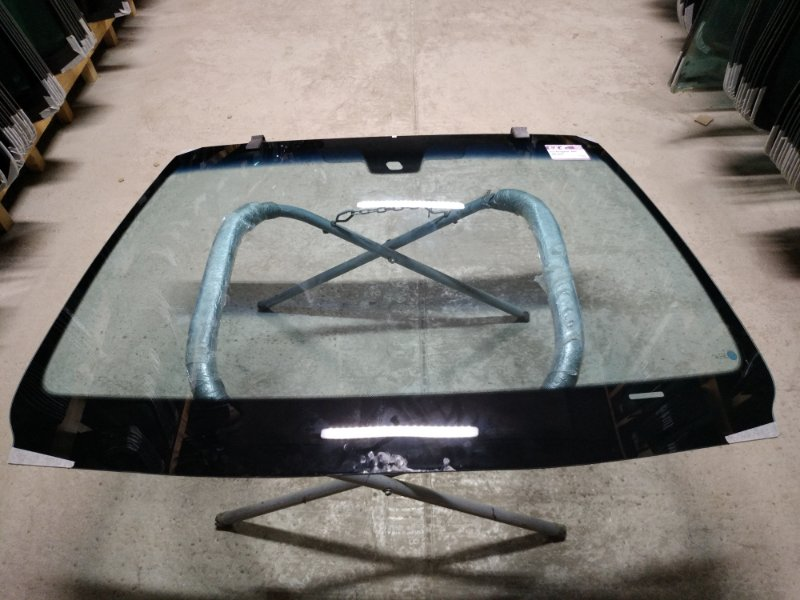 Стекло лобовое Peugeot 607 2000