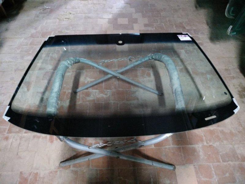 Стекло лобовое Skoda Yeti 2009