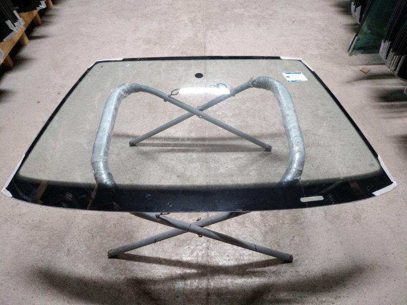 Стекло лобовое Skoda Octavia 1997