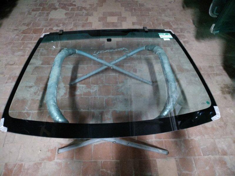 Стекло лобовое Peugeot 107 2005