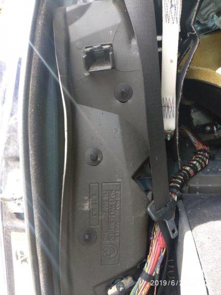Шумоизоляция Bmw 5 Series E61 E60 M54 2003 задняя правая (б/у)