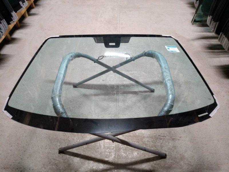 Стекло лобовое Mazda 3 2003