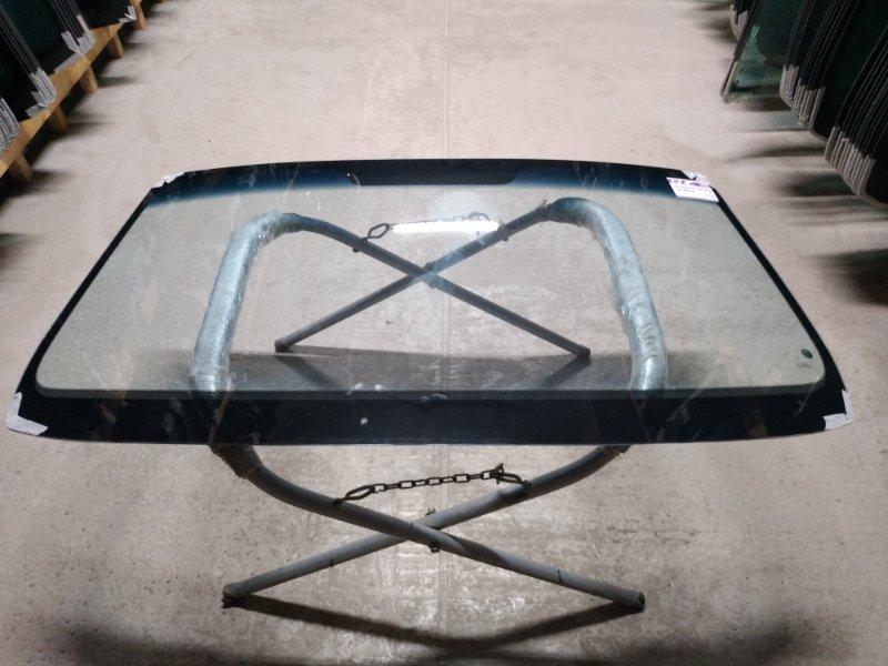 Стекло лобовое Hyundai Terracan 2001