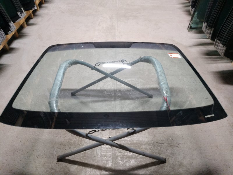 Стекло лобовое Hyundai Tucson 2002