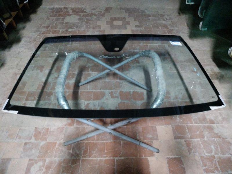 Стекло лобовое Mercedes Vito 639 2003