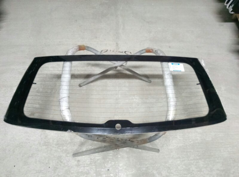 Стекло заднее Opel Zafira 2005