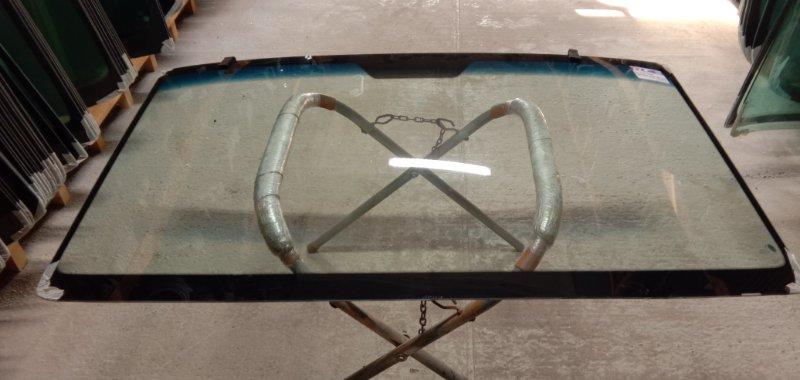 Стекло лобовое Mercedes Sprinter 1994