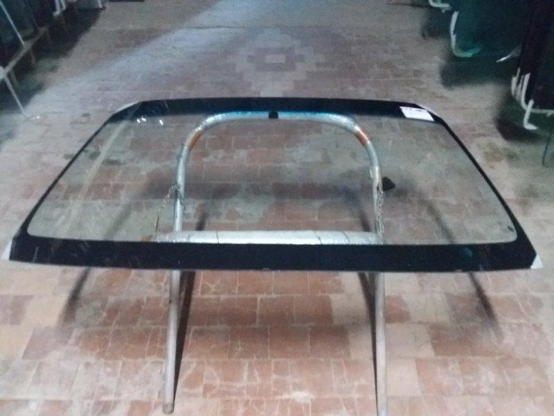 Стекло лобовое Mazda Capella 1997