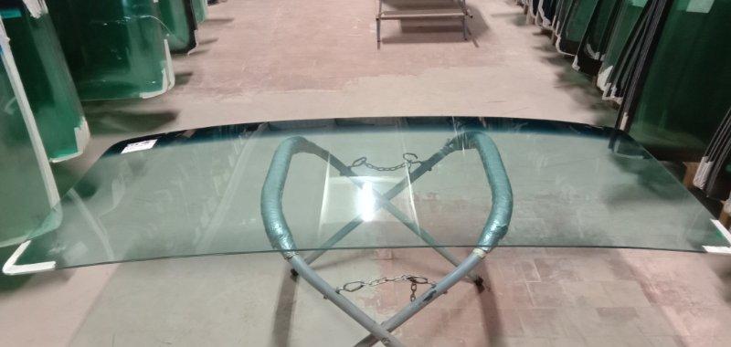 Стекло лобовое Mercedes 809 1986
