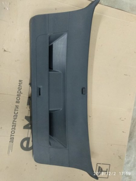 Обшивка крышки багажника Volkswagen Golf VI CBZB 2008 задняя (б/у)
